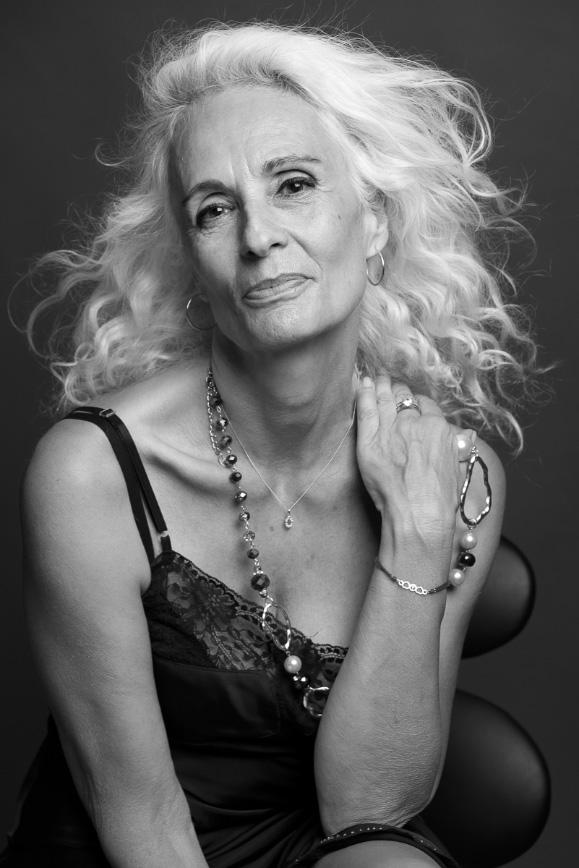 Portrait de femme - Mannequin senior - book artiste - Veronique Taupin taupinprod Photographie